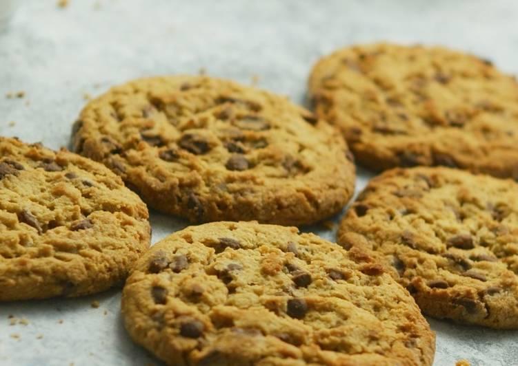 Langkah Mudah untuk Menyiapkan Choco Chips Almond Cookies Anti Gagal