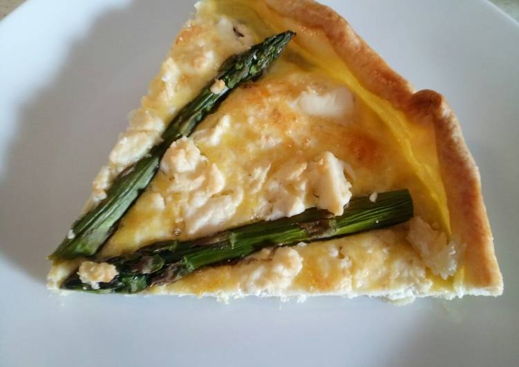 Step-by-Step Guide to Prepare Favorite Feta and asparagus pie