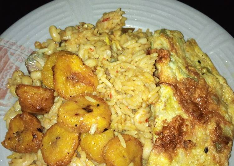 Jollof rice, plantain and egg