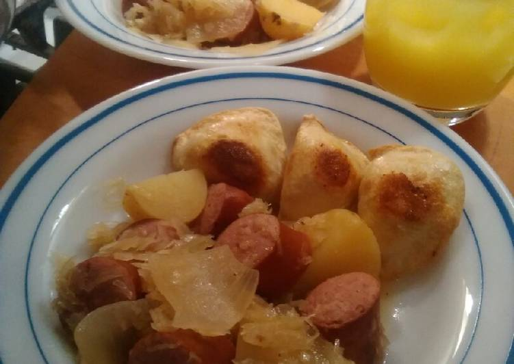 How to Cook Tasty Sauerkraut and polish kielbasa