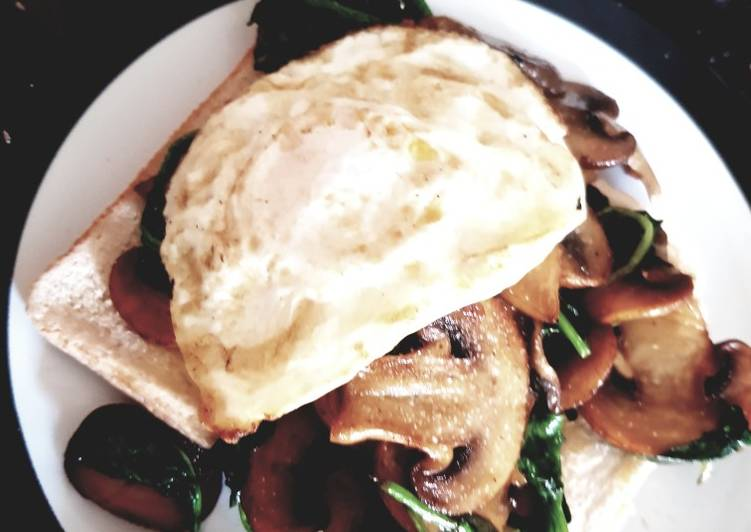 Mushrooms,spinach, egg on toast