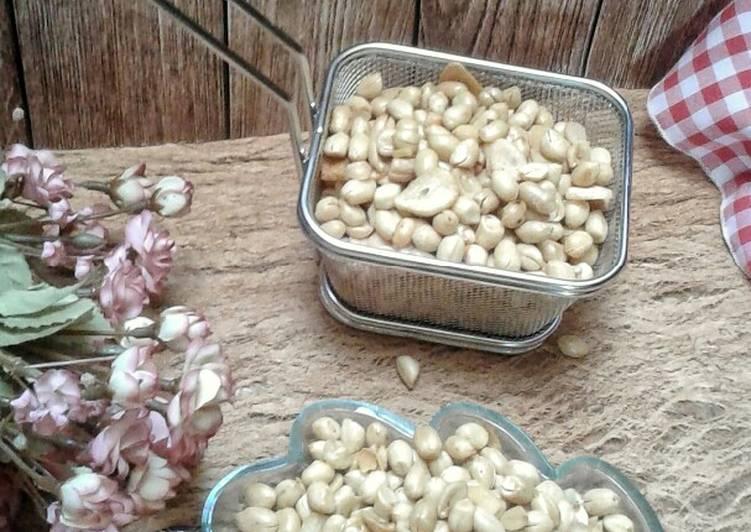 Kacang bawang goreng krenyes