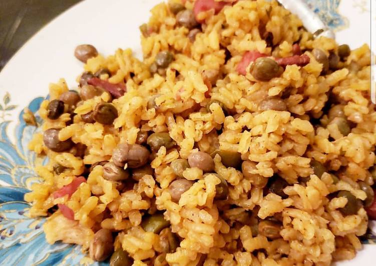 Easiest Way to Prepare Perfect Arroz con gandules