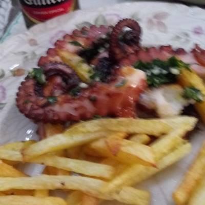 Pulpo Plancha Con Salsa De Ajo Y Perejil Receta De Rcastillamedina Cookpad