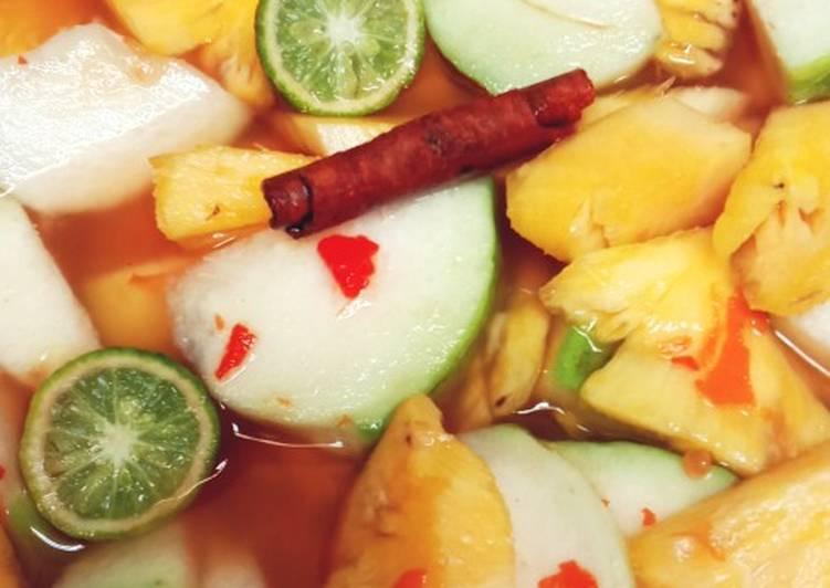 Asinan buah nanas & jambu kristal
