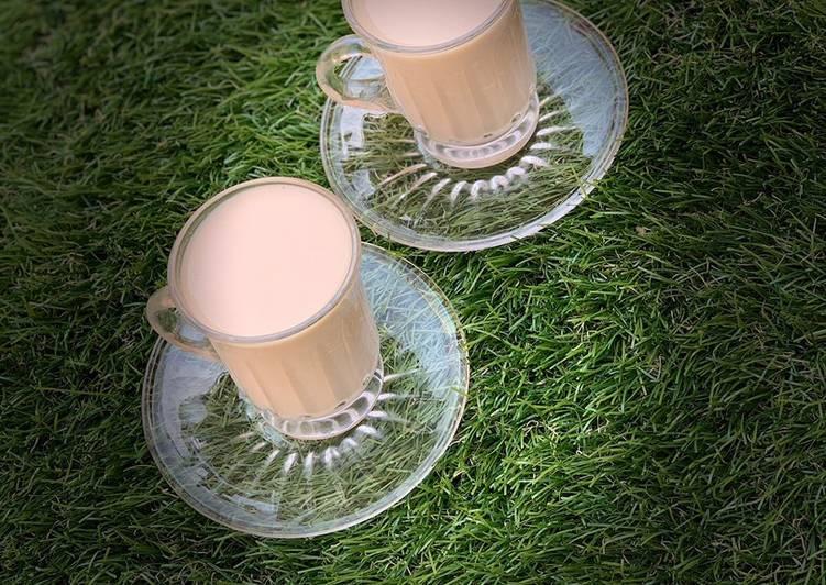 Caffe latte(hot milk coffee)