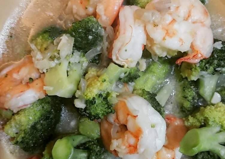 Tumis udang dan brokoli dengan saus bawang putih