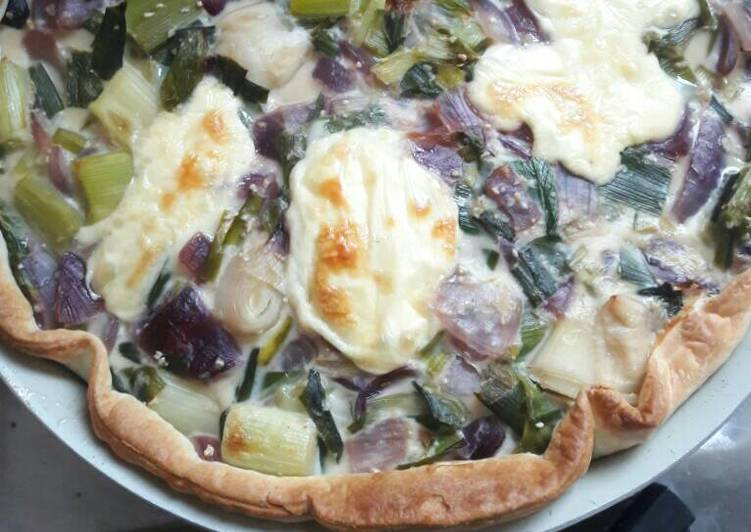 tarta de cebolla puerro y verdeo