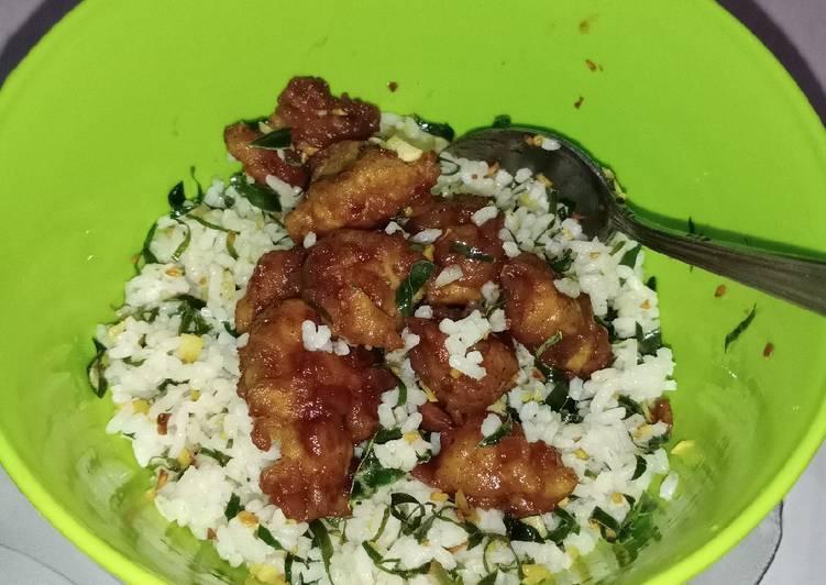 Nasi daun jeruk dan ayam pedas