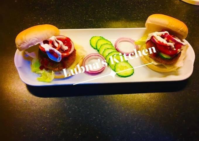 Potato Burger:  (Aloo tikki burger:)