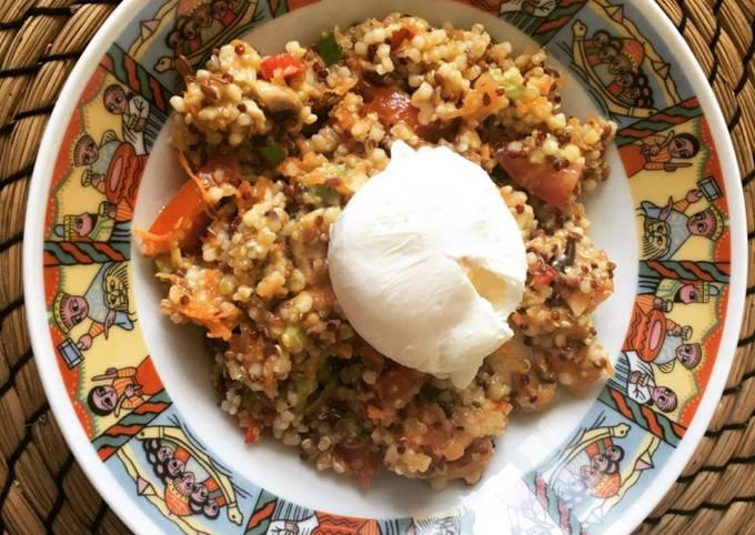 Salade au quinoa et son œuf poché