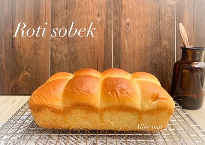 Roti sobek, empuk ringan & teksturnya lumer di mulut