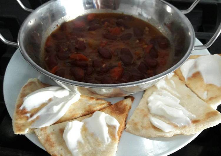 Spicy kidney bean soup