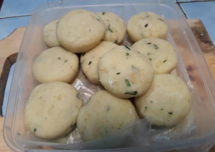 76. Perkedel kentang