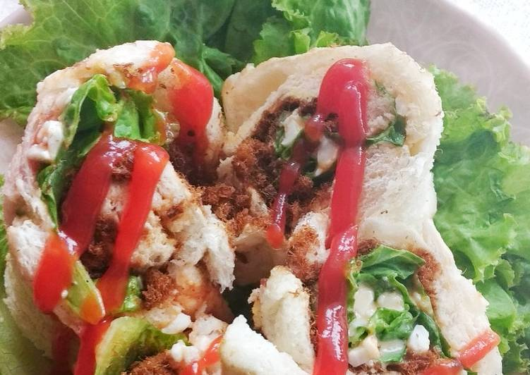 Sandwich gulung abon salmon
