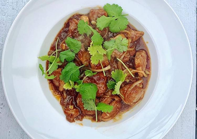 Ken Hom's Savoury Duck with Oyster Sauce