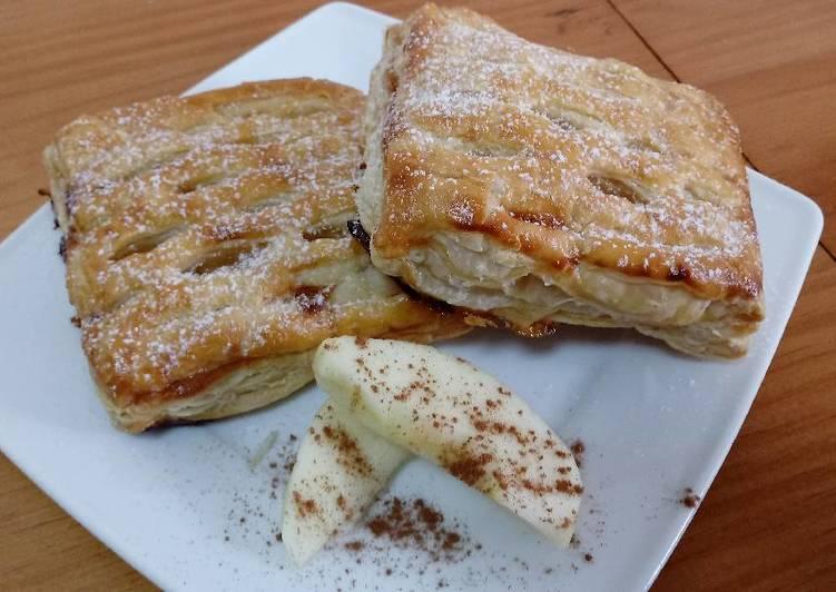 Libritos de hojaldre con manzana, queso y mermelada