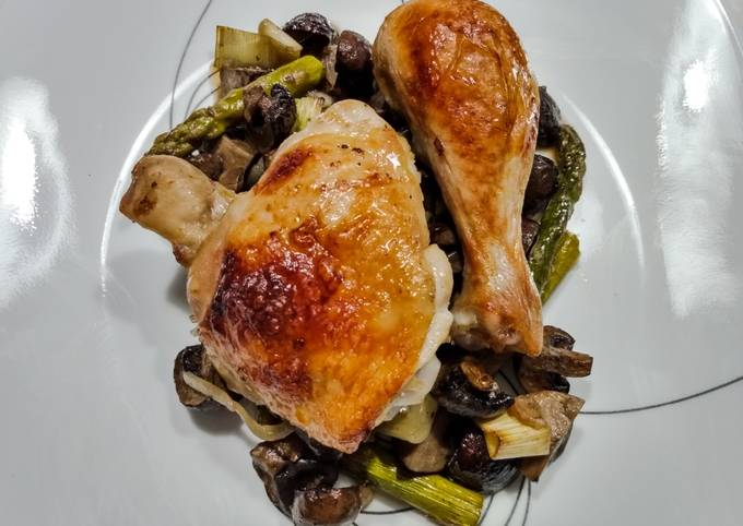 Chicken, mushroom, asparagus and leek tray bake