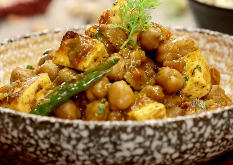 Recipe: Yummy Low-Calorie Chole Paneer Masala
