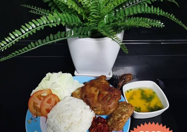 Langkah Mudah untuk Menyiapkan Ayam penyet singapore Anti Gagal
