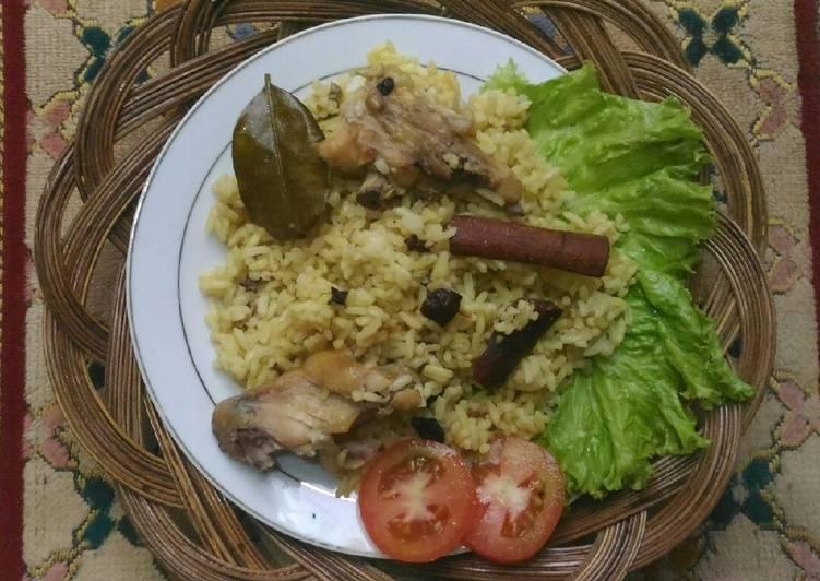 Nasi kebuli daging ayam