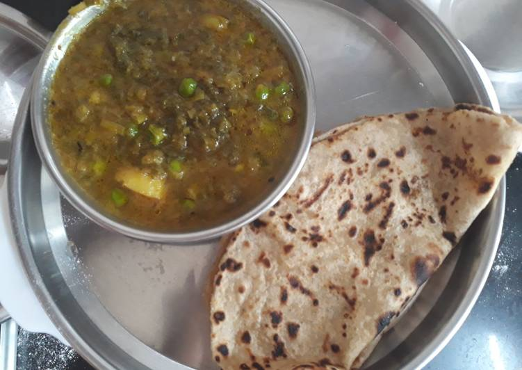 Step-by-Step Guide to Prepare Super Quick Homemade Green onion leaves, peas and potato curry