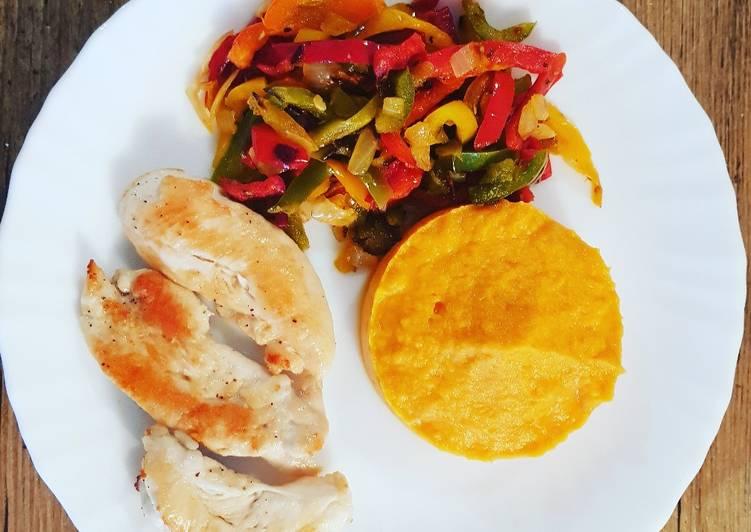 recette Aiguillettes de poulet, poivron et purée de patate douce 👌 le délicieux