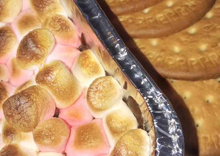 Cookies n Cream Smores Dip