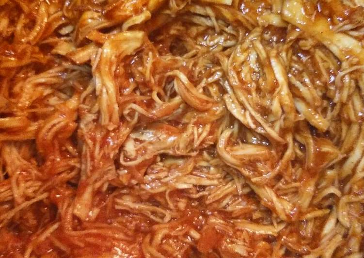 BBQ Shredded Chicken - Slow Cooker