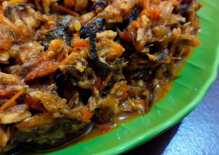 Sambal ikan tongkol / ikan keranjang (suir)