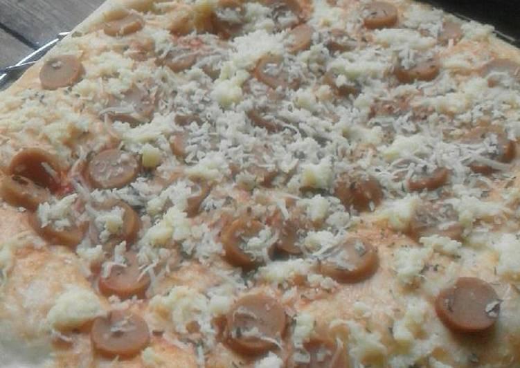 Pizza Sosis empukk