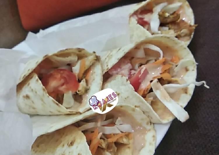 Simple tortilla shawarma