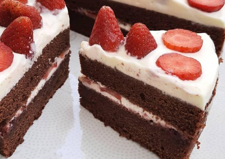 Strawberry Choco Cake