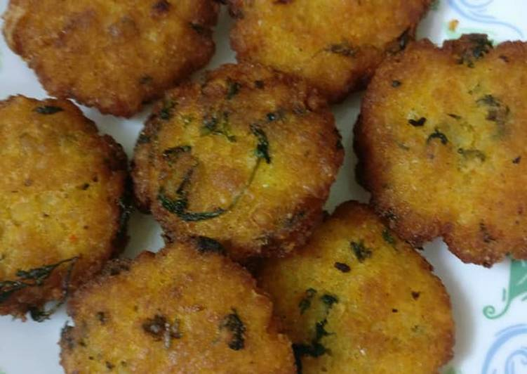 Steps to Make Quick Beaten Rice/Poha Cutlets
