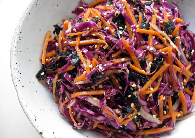 Red Cabbage, Carrot & Nori 'Namul'