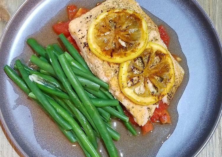 Recipe of Perfect Roasted Salmon with Roasted Plum Tomatoes & Caramelized Lemons