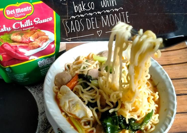 115) seblak mie telur bakso with saos del monte