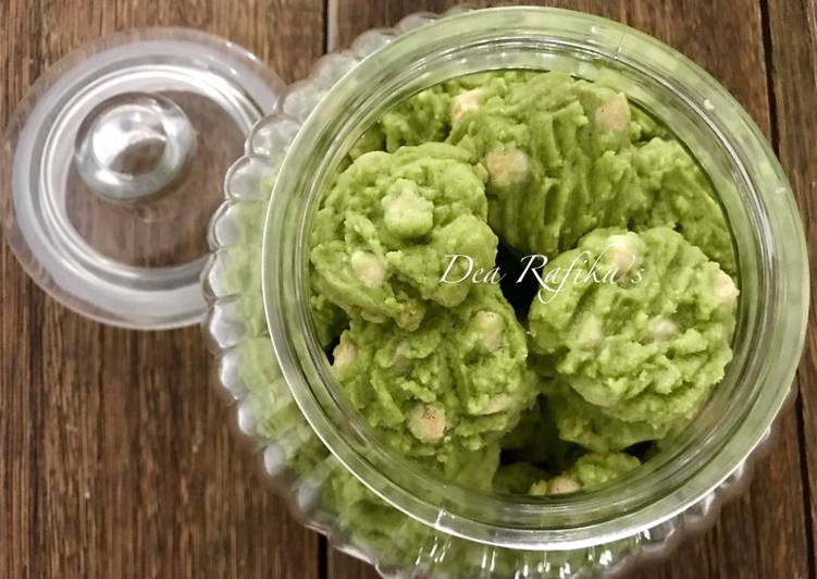 Green tea white chocolate cookies