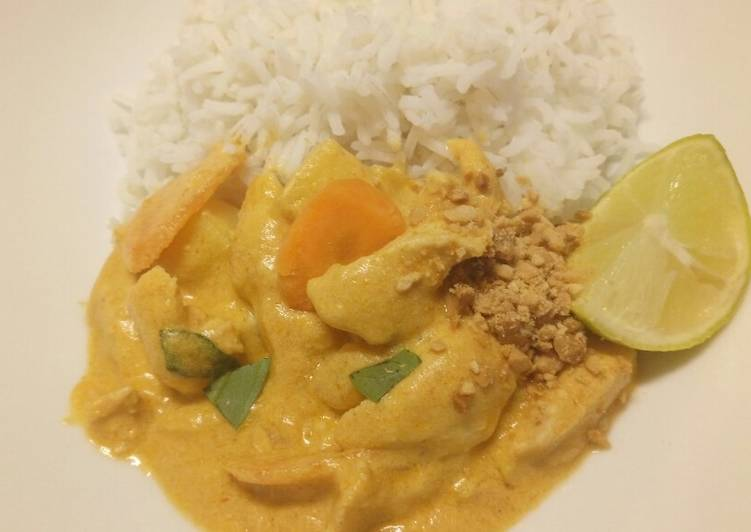 Easiest Way to Cook Tasty Massaman chicken curry