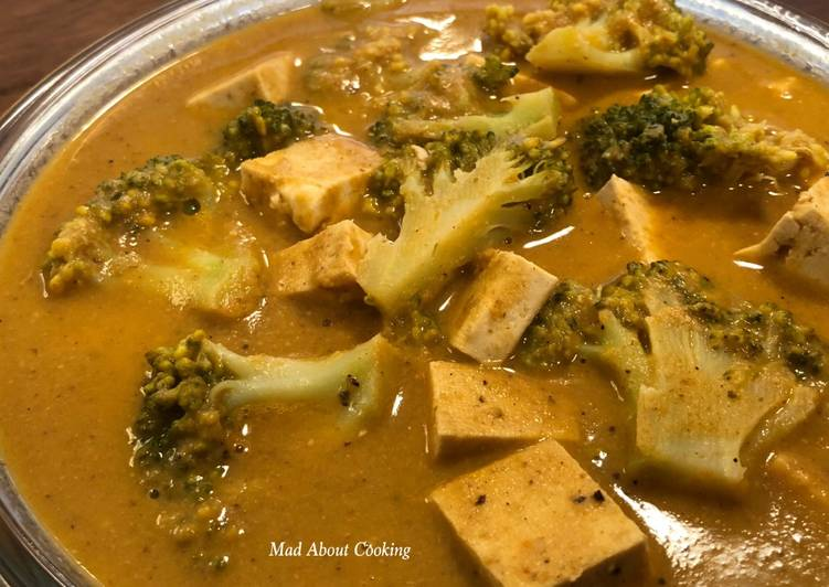 How to Prepare Homemade Broccoli Tofu Cashew Curry