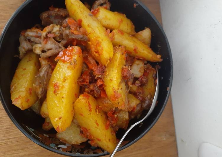 Ampla kentang balado