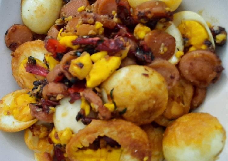 Langkah Mudah untuk Membuat Telur rebus sosis goreng cabe, Menggugah Selera