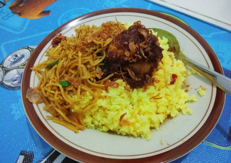Nasi kuning Banjarmasin