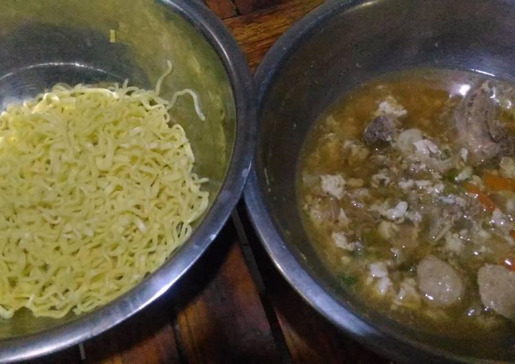 Resep Mi Siram Kuah Kaldu Ayam Putih Telur Saus Inggris Oleh Eny Dyah K Cookpad