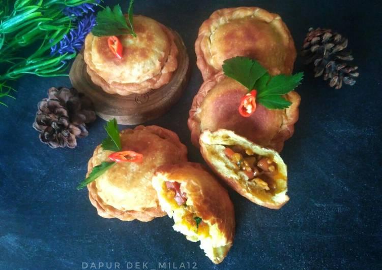 Roti Goreng isi Bakso dan sosis