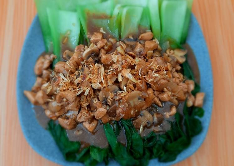 Pakcoy dada ayam jamur kancing saus tiram