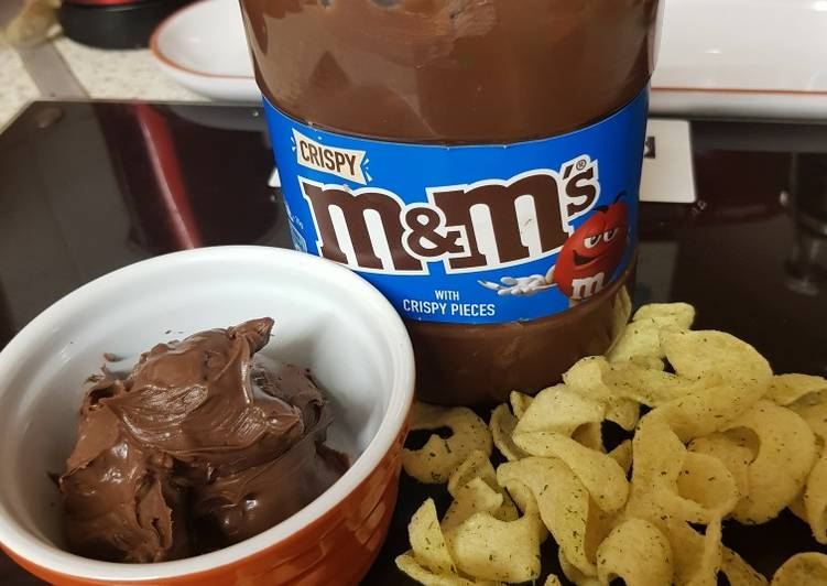 Recipe: Appetizing M & Ms Chocolate spread with crunchy bits. 😀