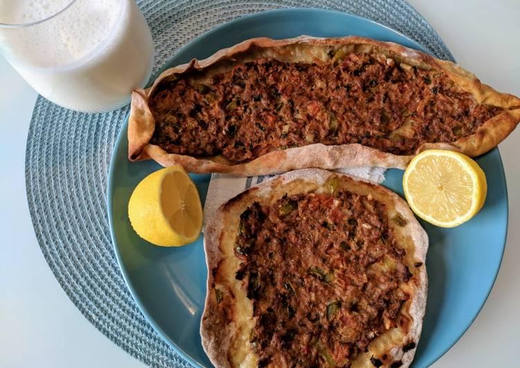 Lahmacun - Turkish minced lamb pitta/pizza