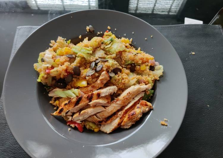 Spicy chicken salad with couscous