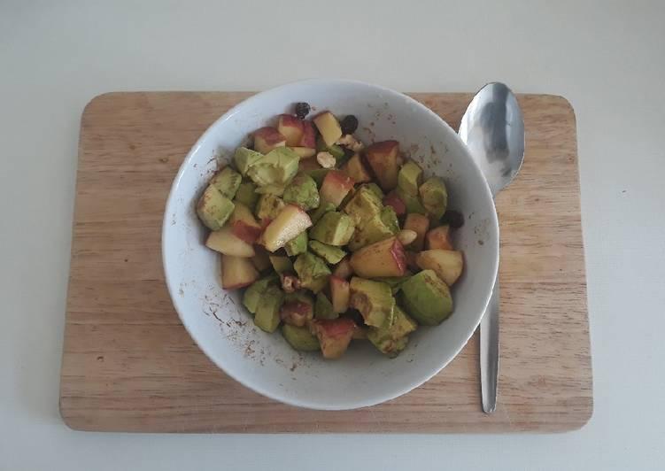 Apfel-Avocado Salat
